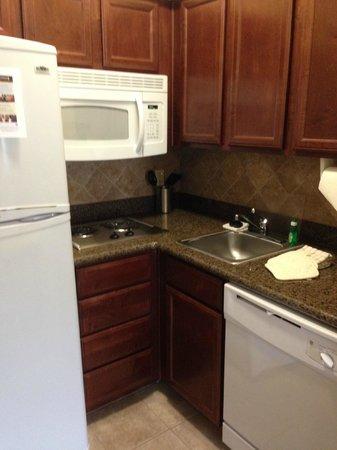 Staybridge Suites Corpus Christi: kitchen