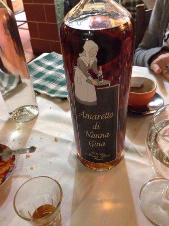 Osteria Nonna Gina: Amaretto di Nonna Gina...