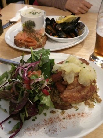 Chowder Cafe: Pork belly / seafood chowder