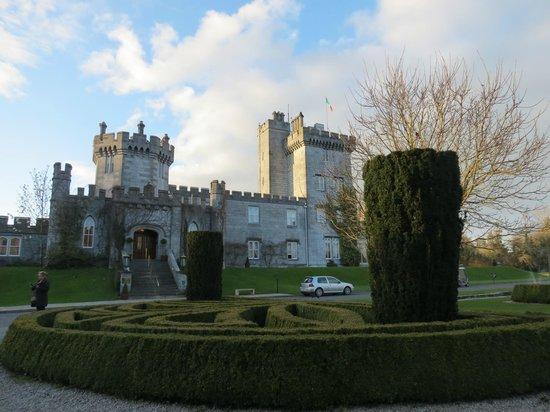 Dromoland Castle Hotel : The exterior