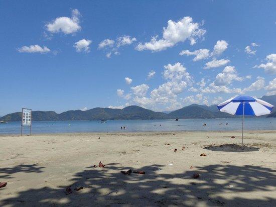 Praia do Lázaro: tranquila