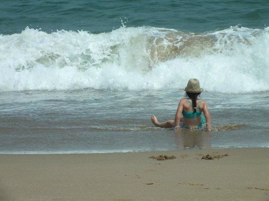 Le Meridien Al Aqah Beach Resort: The vawe