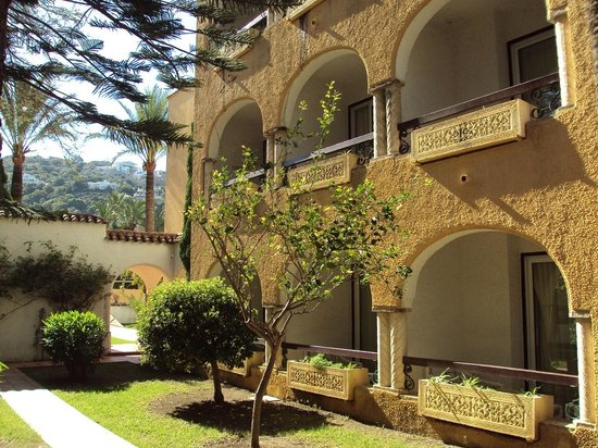 Meliá Atlanterra: Uno de los edificios de habitaciones.