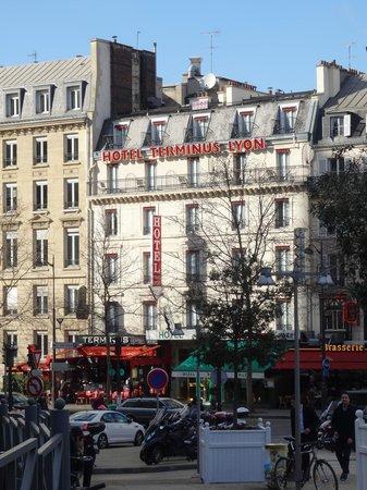 Hotel Terminus Lyon: hotel visto da gare de lyon