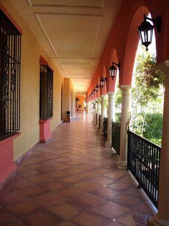 Meliá Atlanterra: Zona de entrada al hotel.