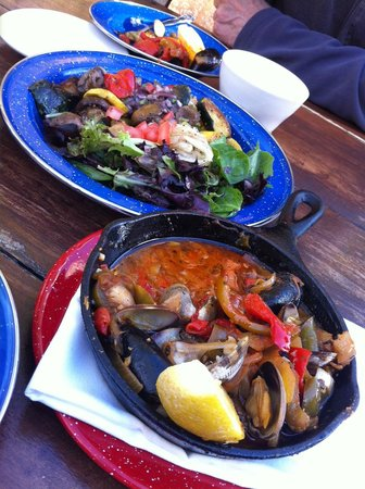 Habana Restaurant and Bar : Roasted vegetable salad and clams - mussels