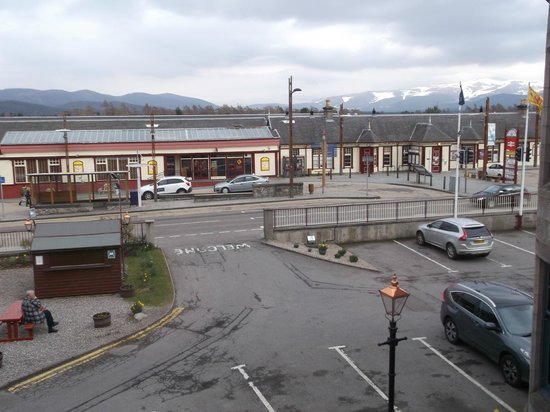 Cairngorm Hotel: The view from our room (121)