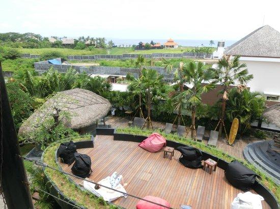 The Green Room Canggu: oberste Aussichtsplattform - blick zum Meer