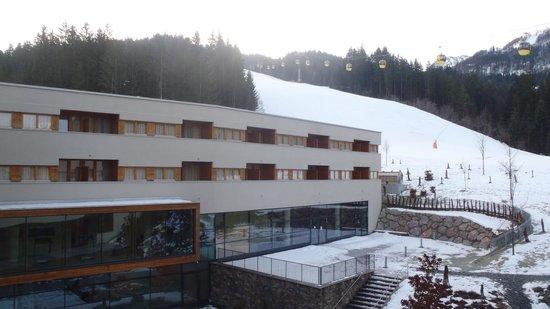 Austria Trend Hotel Alpine Resort Fieberbrunn: outside
