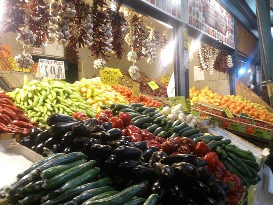 Budapest - Central Market Hall (Nagy Vasarcsarnok) verdura y frutas