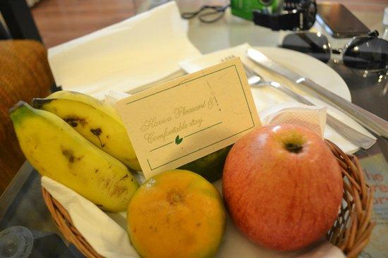 Gokarna Forest Resort: Welcome fruit basket