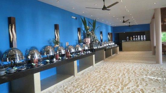 Veligandu Island Resort & Spa : Restaurant