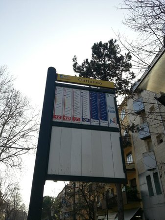 Elite Hotel: Bus stop (from Hotel to Venice)