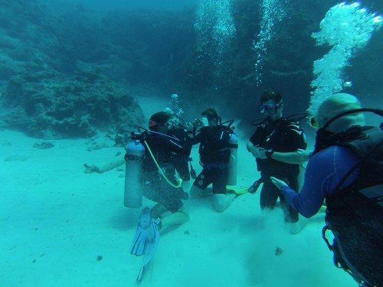Cayman Diveshuttle Ltd: Final skills testing in deeper water