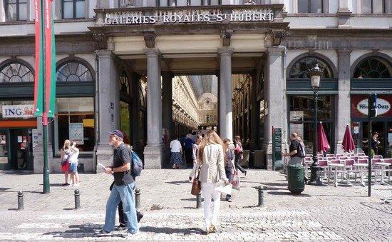 Les Galeries Royales Saint-Hubert : Entrada da galeria