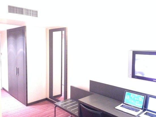Hotel Holiday Inn Paris Gare Montparnasse: Habitación