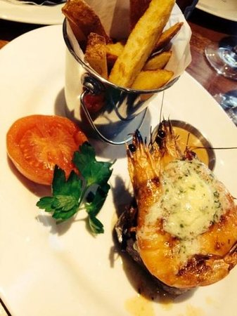The Butchershop Bar and Grill : steak and garlic prawns