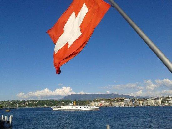 Genfer See: vista da ponte