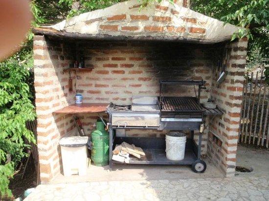 Casa Los Cerros: BBQ profesional