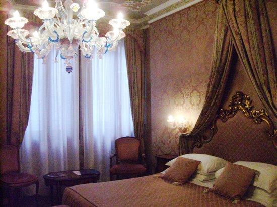 Hotel Antico Doge : Notre chambre (109)