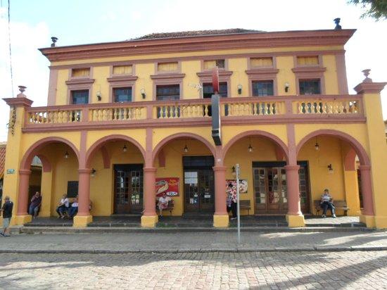 Casa dos arcos fachada foto de casa dos arcos curitiba tripadvisor - Hostel casa dos arcos ...