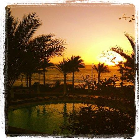 Dahab Paradise : Morning sunrise over the Red Sea.