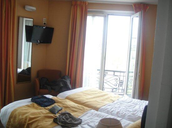 Hotel Eiffel Turenne: room