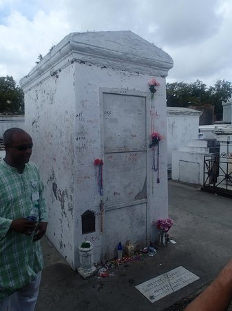 Haunted History Tours of New Orleans: Cemetery Tour
