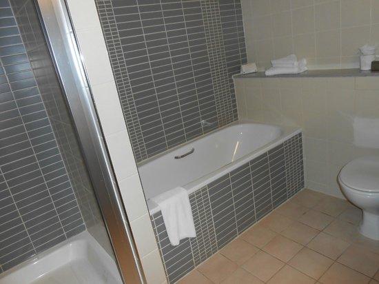 Maldron Hotel Tallaght: New room