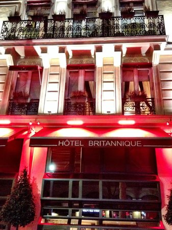 Hotel Britannique : Front of Hotel with Jr Suite Windows