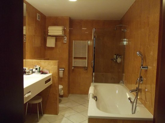 Jalta Boutique Hotel : Bathroom