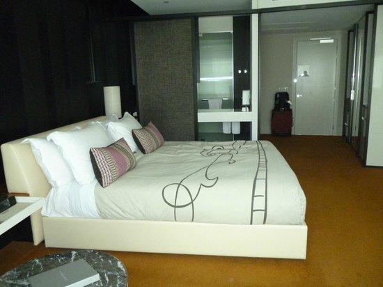 Crown Metropol Melbourne: room