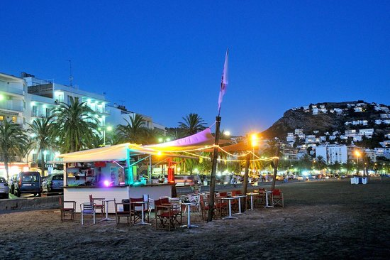 TOKS Beach bar