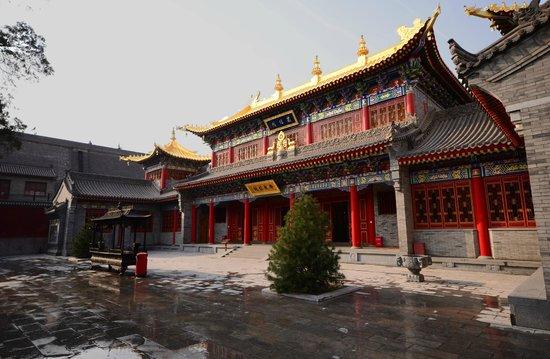 Guangren Temple: Main temple building
