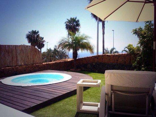Hotel Suite Villa María: What a great sunny jacuzzi for villa 21