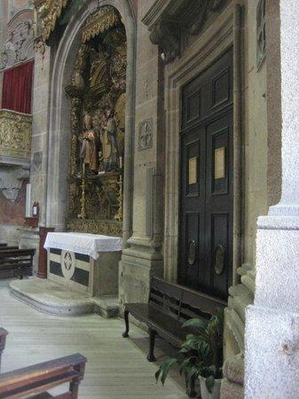 Church of São Pedro dos Clérigos: Igeria de Sao Pedro dos Clerigos - INSIDE