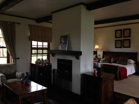 The Manor at Ngorongoro : Our sitting area