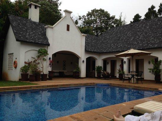 The Manor at Ngorongoro: The pool