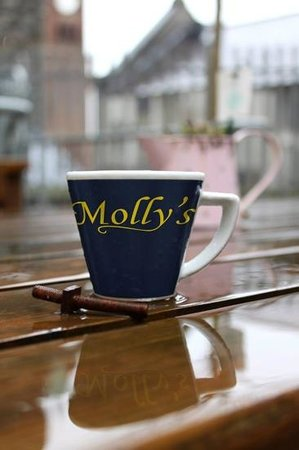 Molly's: a reflection of perfection !