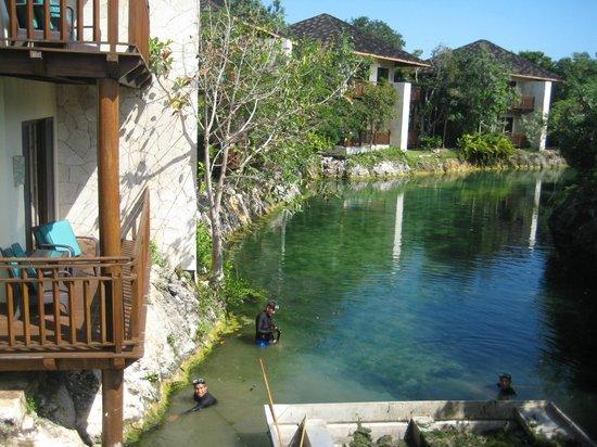 Fairmont Mayakoba: Casitas with lagoon view