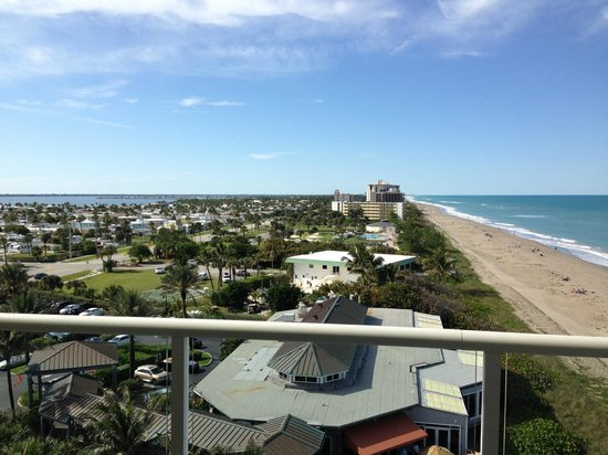 Courtyard Hutchinson Island Oceanside/Jensen Beach : Looking North from balcony