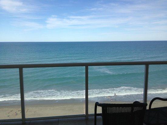 Courtyard Hutchinson Island Oceanside/Jensen Beach : View from oceanfront balcony