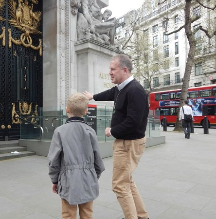 London Cabbie Tours - Private Tours: Harry potter stop