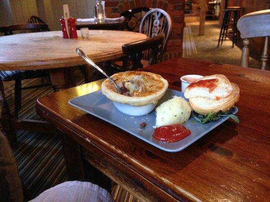 The Inn at Cranborne: Neils Venison pie and mash with my burger bun