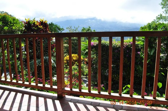 La Montana y el Valle Coffee Estate Inn: Baru Volcano in the distance