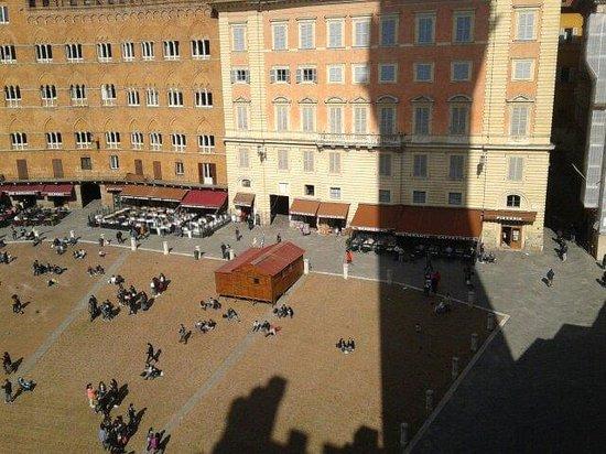 Mangia Tower: Vista della piazza