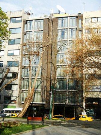 Avantgarde Taksim Hotel: façade de l'hotel