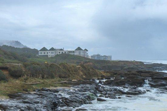 Overleaf Lodge & Spa: View south  along coast lineof Overleaf