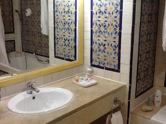 Hotel Diar Lemdina : bathroom