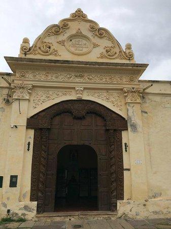 San Bernardo Convent : Portão